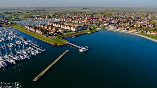 Luchtfoto Wemeldinge haven